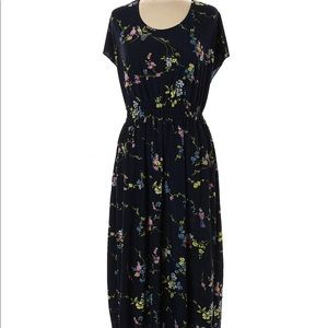 Young USA dress navy floral